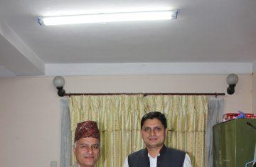 द टिम्बर कर्पोरेशन अफ नेपाल लि. र काठमाडौं विश्वविद्यालय बिच त्रिपुरेश्वर महादेव मन्दिर तथा सत्तल परिसर पुनर्निर्माणका लागि काठ आपूर्ति सम्बन्धमा समझदारी